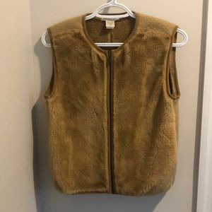 Banana Republic faux fur vest size small
